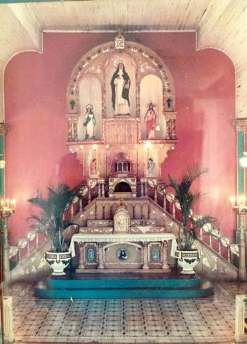 Altar de la Igelsia vieja (1)